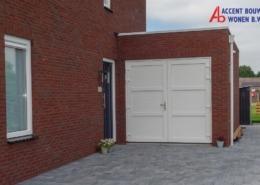 Garagedeuren en voordeur